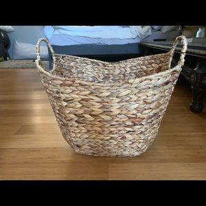 Pottery Barn Beautiful Wooden Weave Basket